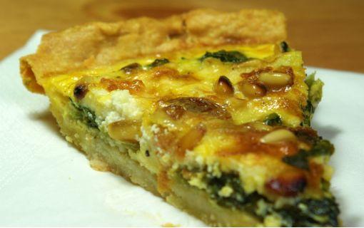 Γευστική τάρτα με χόρτα και κατσικίσιο τυρί
