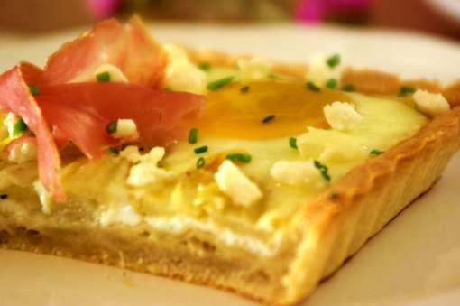 Μία συνταγή για τους λάτρεις του σπαραγγιού και της έντονης γεύσης του κατσικίσιου τυριού.